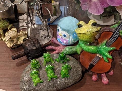 蛙たち3.jpg